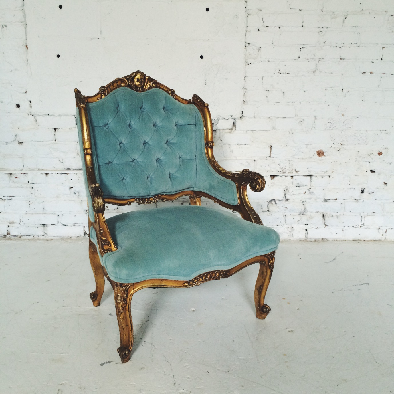 Furniture | rent vintage chicago