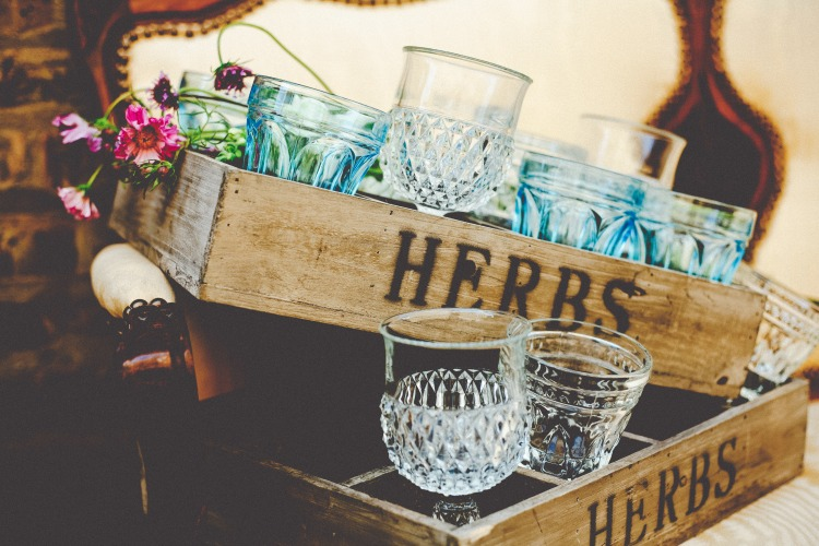 herbs box rent vintage chicago furniture wedding party